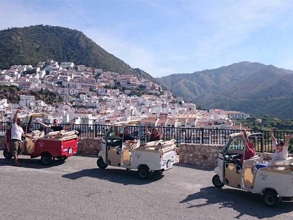 Team4you CALLESINO. Calessino a través las pequeñas carreteras de montañas y los pueblos blancos típicos de Andalucía.