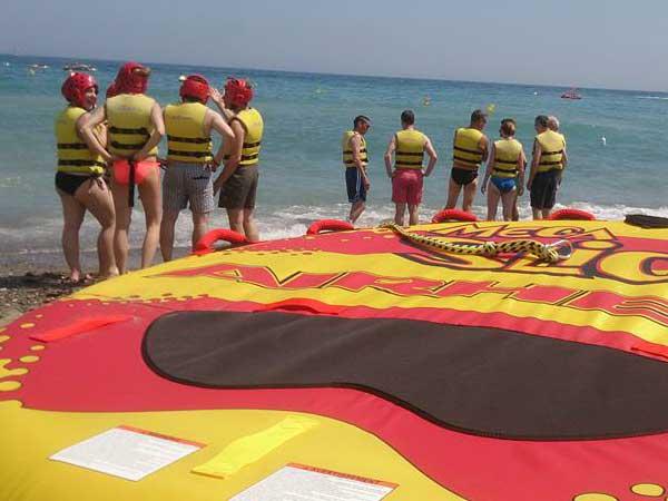 Team4you Galería de fotos Actividades corporativas</a> para grupo de 120 Clientes satisfechos cerca de Puerto Banús en Marbella. Costa del Sol 01.