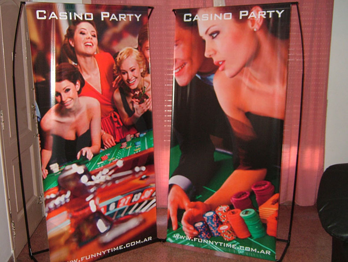 CASINO PARTIES Marbella Event by recreating a Las Vegas Casino. Professional dealers and card tables. 07 | Team4you