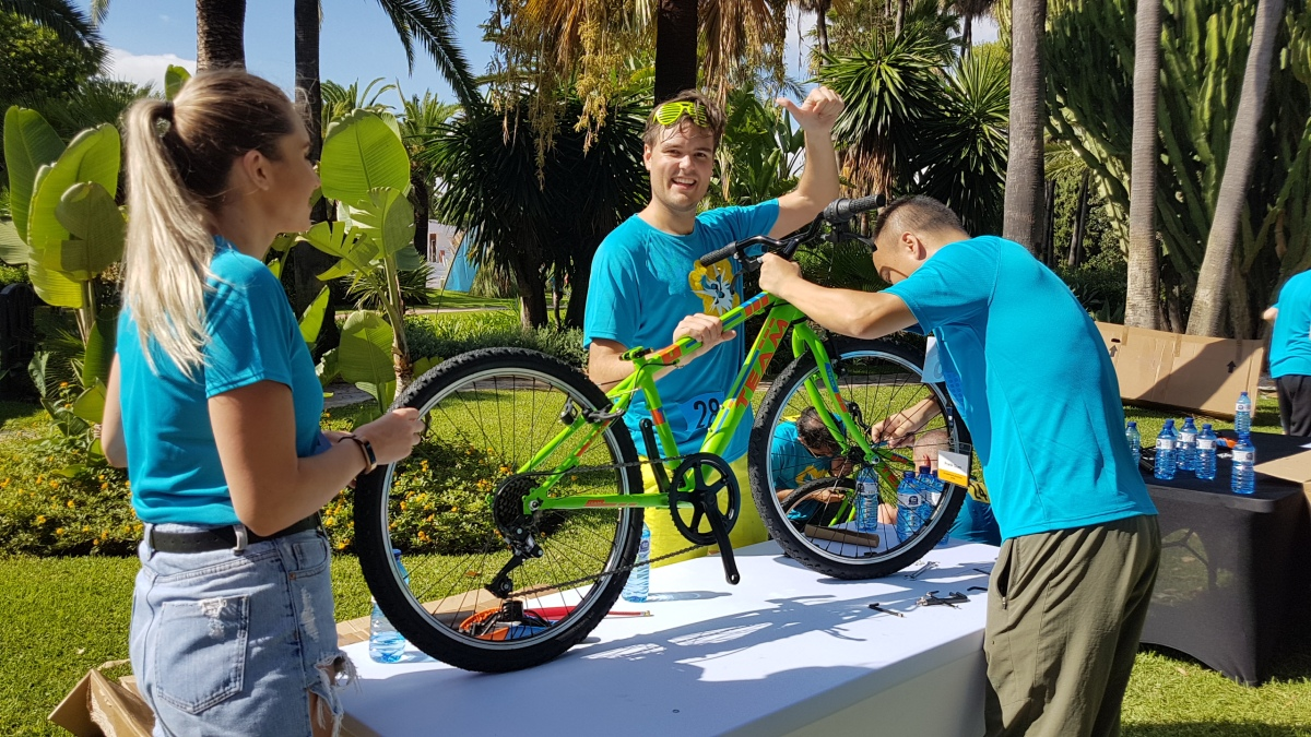 CHARITY BIKE BUILD Marbella Teams construct the ultimate human-powered child's bike 04 | Team4you