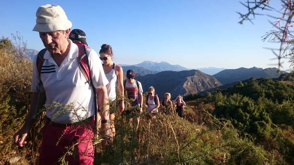 GUIDED HIKING TOUR Marbella Walking tour through the great outdoors. 04 | Team4you