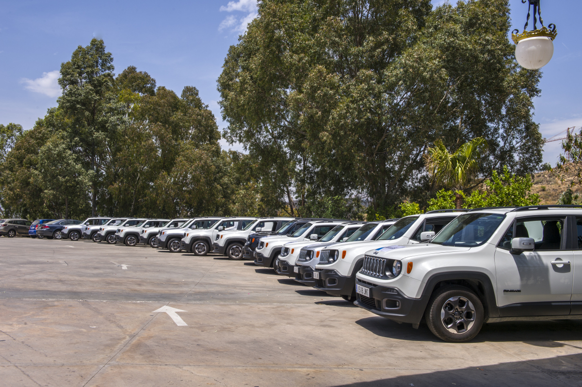 JEEP RALLY 4X4 GPS Marbella Teams complete the route through winding mountain trails and back road 01 | Team4you