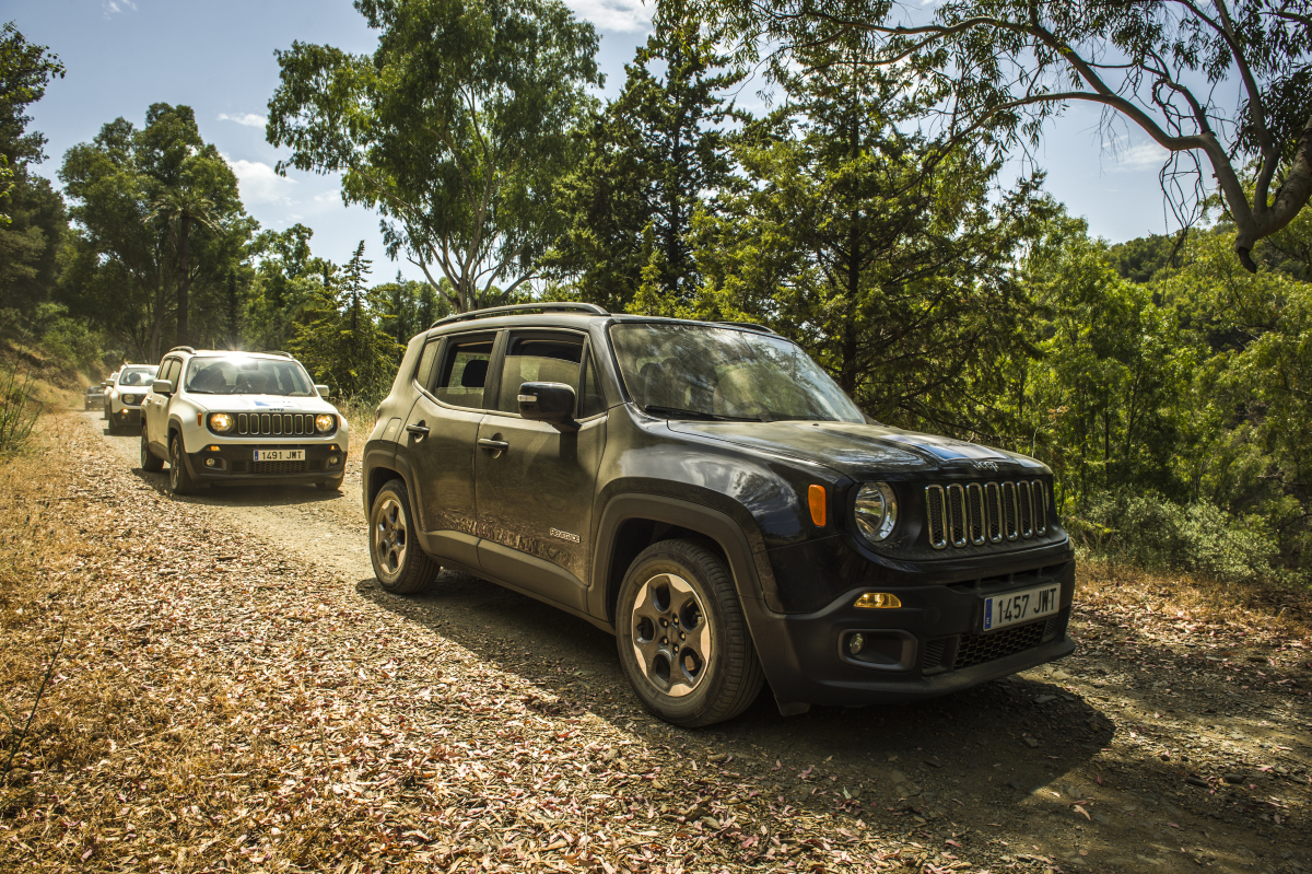 JEEP RALLY 4X4 GPS Marbella Teams complete the route through winding mountain trails and back road 03 | Team4you
