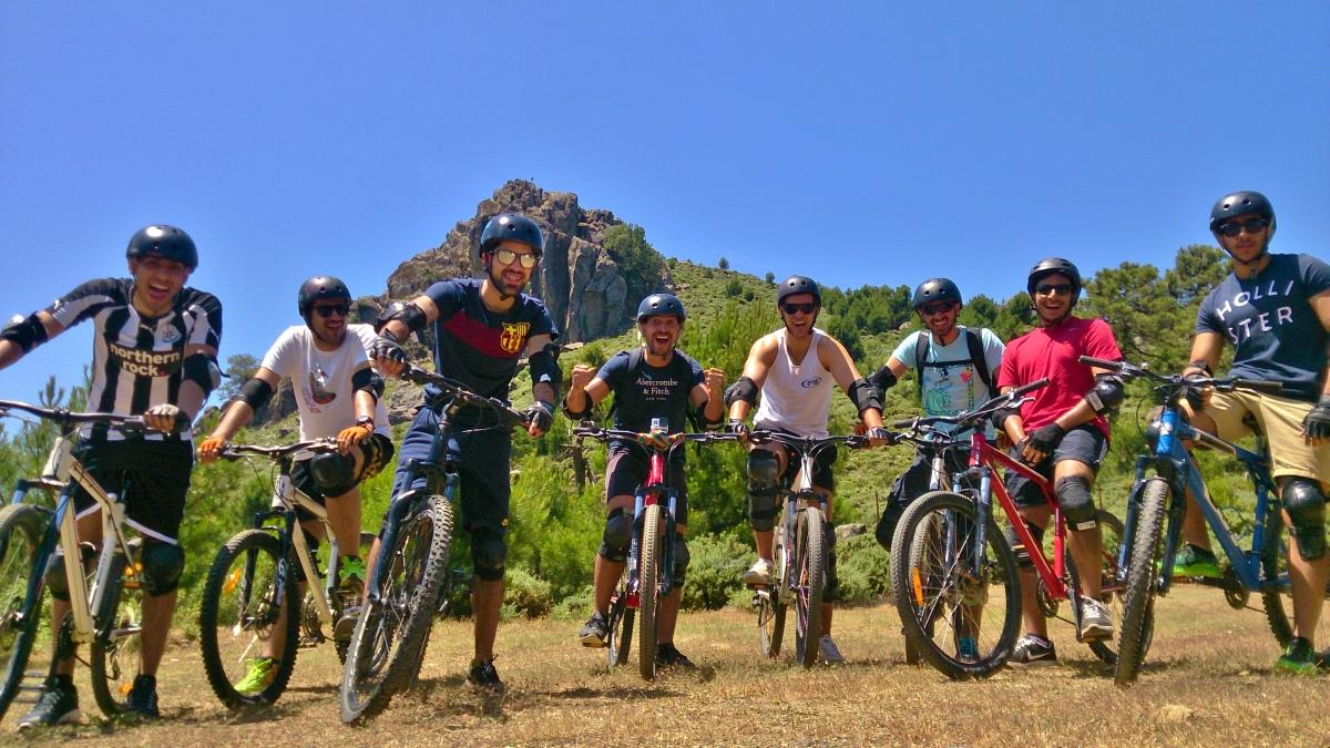 DESCENSO EN BICICLETAS DE MONTAÑA Marbella RUTA EN BICICLETAS DE MONTAÑA 01 | Team4you