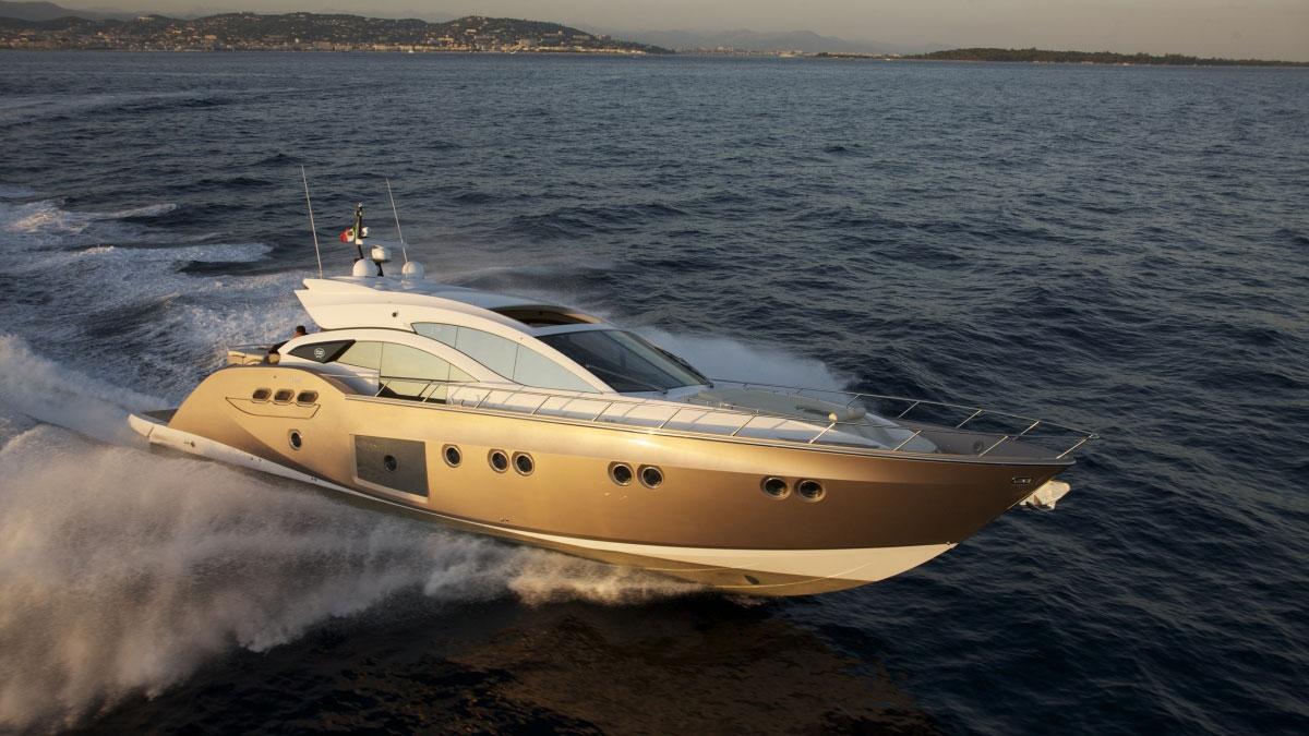 PRIVATE YACHT CHARTERS Málaga Costa del Sol high sea adventure 01 | Team4you