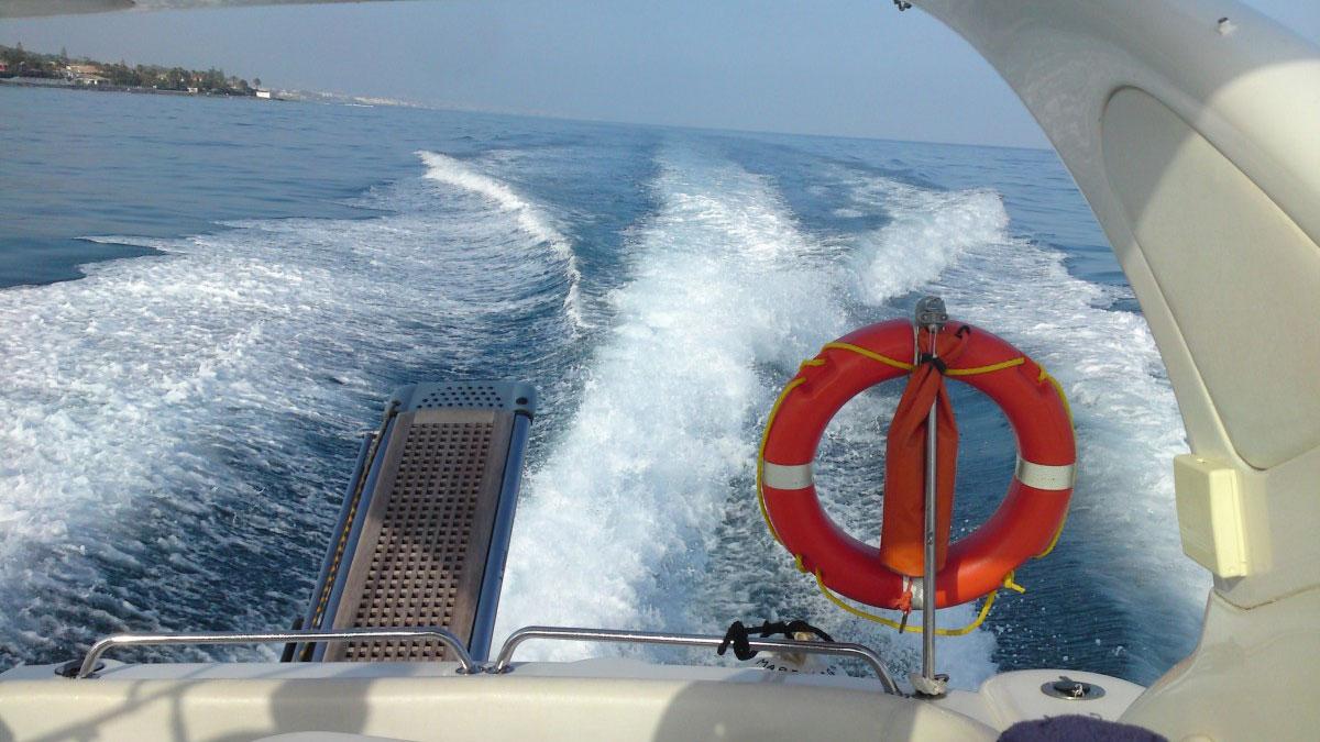 PRIVATE YACHT CHARTERS Málaga Costa del Sol high sea adventure 02 | Team4you