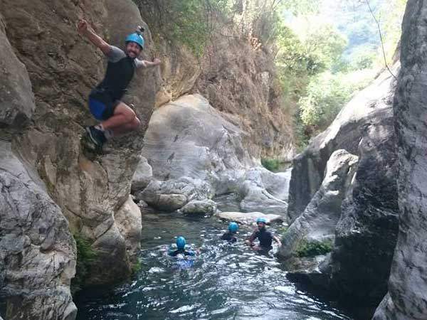 CANYONING A canyon descent through waterfalls, natural waterslides and some wading and swimming 12 | Marbella Team4you