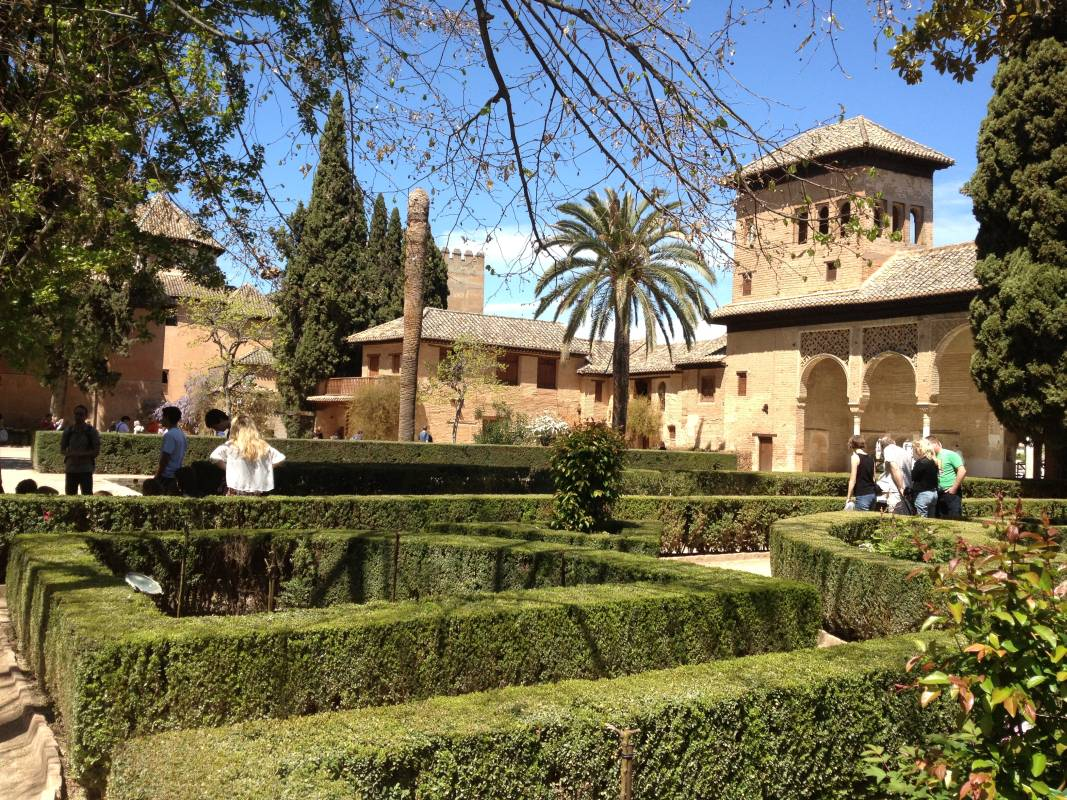 Granada and Alhambra Málaga Costa del Sol Discover Citytour 03 | Team4you