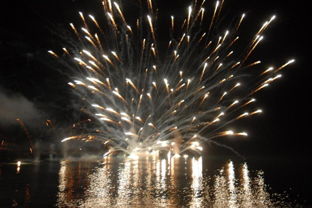 FIREWORKS DISPLAY Exciting & spectacular private fireworks show! 08 | Marbella Team4you