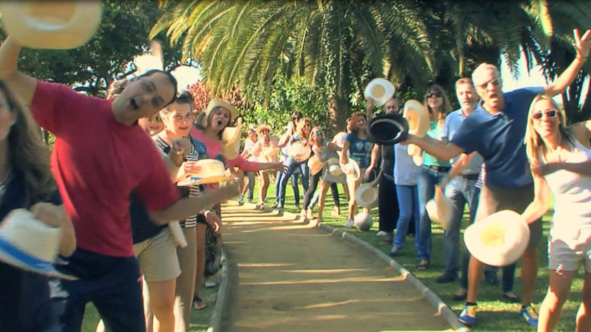 LIP DUB Marbella do a playback and plan their movements to a song 03   Team4you