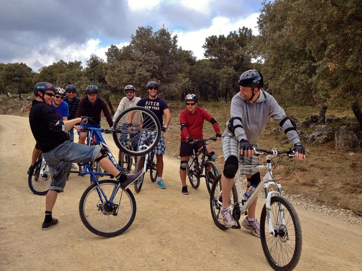 DESCENSO EN BICICLETAS DE MONTAÑA Marbella RUTA EN BICICLETAS DE MONTAÑA 04 | Team4you