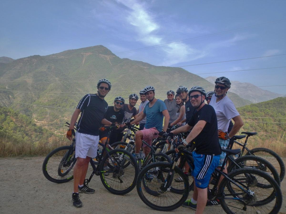 DESCENSO EN BICICLETAS DE MONTAÑA Marbella RUTA EN BICICLETAS DE MONTAÑA 06 | Team4you