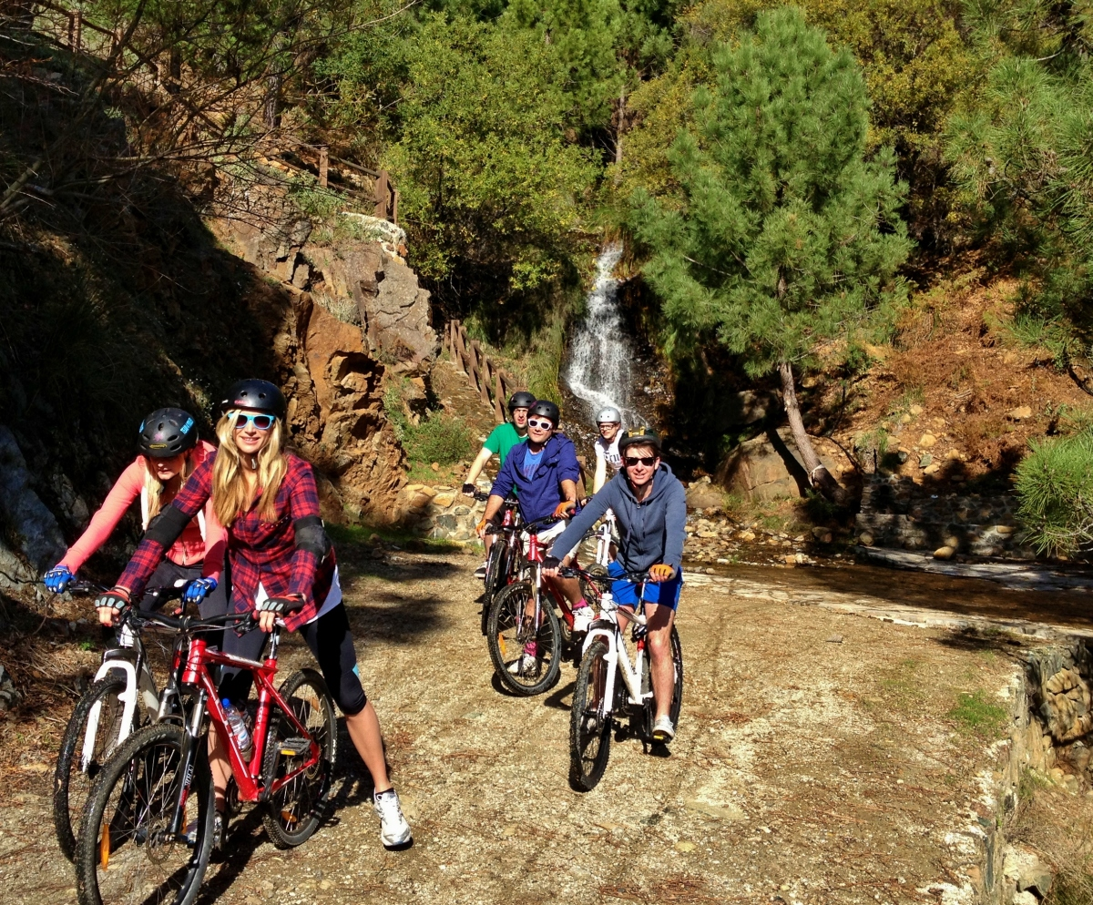 DESCENSO EN BICICLETAS DE MONTAÑA Marbella RUTA EN BICICLETAS DE MONTAÑA 08 | Team4you