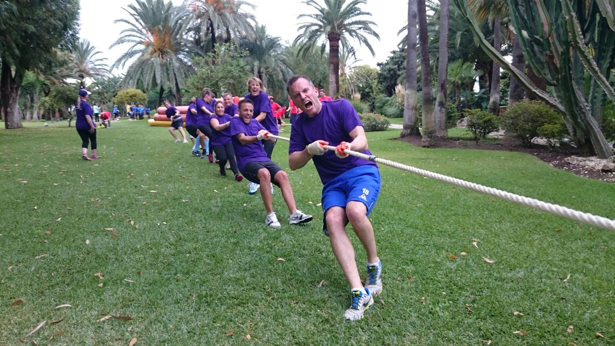 SUPER OLYMPICS Marbella Teams play against each other on different activities 03 | Team4you